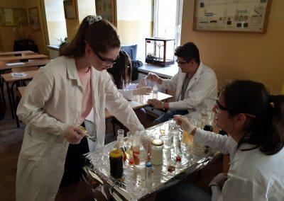 Koło naukowe z chemii – zajęcia praktyczne